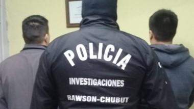 Los dos individuos fueron aprehendidos luego de un allanamiento.