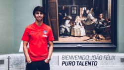 El delantero portugués firmó para las próximas siete temporadas y usará el número 7.