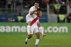 El Oreja Flores anotó el 1-0 contra Chile y el equipo de Gareca se ilusiona con la final.