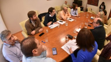 Los diputados recibieron al directorio de SEROS para discutir los problemas con la obra social provincial.