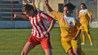 Se juega la tercera fecha de la segunda fase del fútbol femenino.