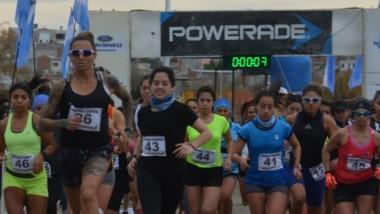 Un número respetable de atletas se congregó en el predio de la Laguna Cacique Chiquichano para competir en el Regional de Cross Country.
