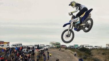 A puro salto, las motos brindaron un gran espectáculo durante sábado y domingo en Puerto Madryn.