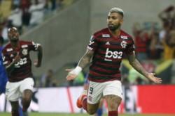 Flamengo clasificó a 4tos, tras vencer 2-0 a Emelec en los 90' y vencerlo 4-2 en los penales al club ecuatoriano.