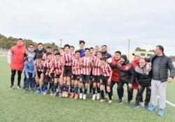 En semifinales, el pasado sábado, Racing Club goleó a Independiente por 3-0. Moreno venció por 1-0 a Germinal.