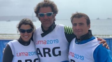Los campeones del mundo Javier Conte, Ignacio Giammona y Paula Salerno se quedaron con la victoria en la Clase Lightning de vela.
