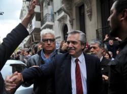 Alberto Fernández, Cristina Kirchner y Axel Kicillof se reunieron en medio de la corrida del dólar.