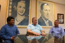 Referentes. Desde la izquierda, Currumil, González y James hicieron su análisis tras el triunfo en las PASO.