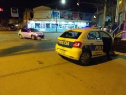 Un móvil que participaba de un operativo chocó contra un vehículo particular