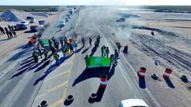 Sin tráfico. Otra de las postales en Puerto Madryn de lo que fue un día de furia con movilizaciones y cortes en todos los puntos del territorio.