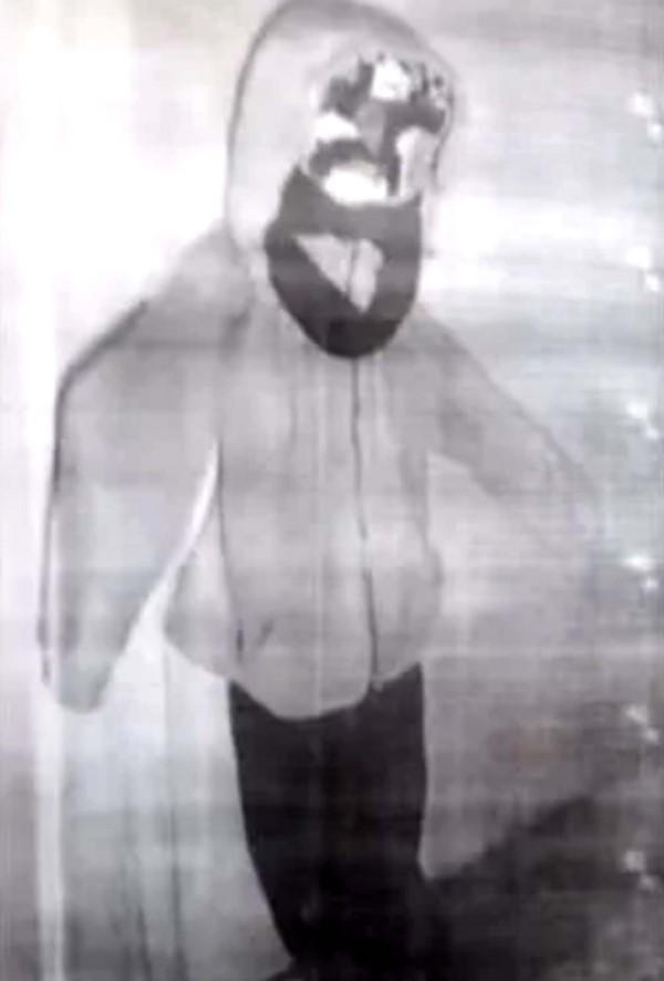 El muñeco que apareció en la celda de Nahir Galarza. (Crónica)