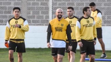 """Deportivo Madryn se está armando para pelear por un ascenso. Hoy, desde las 15 horas en El Coliseo del Golfo, el """"Aurinegro"""" jugará un amistoso contra Germinal."""