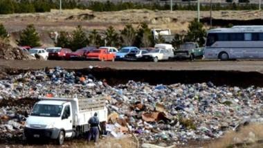 Depósito. Así lucen los vehículos secuestrados en el predio de los residuos de la planta cordillerana.