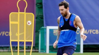 Luego de confirmarse las bajas de Luis Suárez y Dembélé por lesión, Leo Messi volvió a entrenarse y podría regresar en la 2da fecha de la Liga Española.