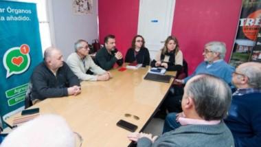 Del encuentro participaron autoridades municipales, provinciales y representantes del sector turístico.