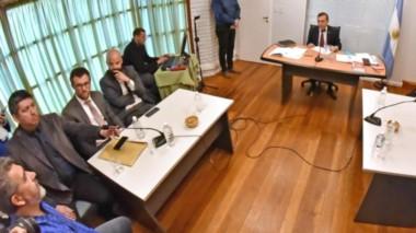 Desde la Mesa de Unidad Sindical afirmaron que seguirán con los cortes y habrá movilización mañana.