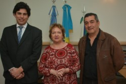 La intendenta a cargo, Araceli Di Filippo, junto a Nasser (der.) y Alejandro Canio, asesor de la jefa comunal.