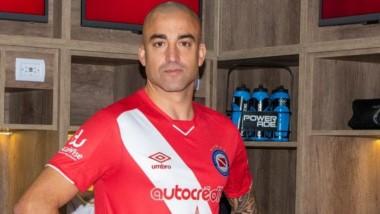 Santiago Silva está habilitado para jugar mientras se resuelve su caso de consumo de sustancias prohibidas.