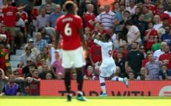 Con goles de Ayew y van Aanholt en la agonía del partido, Crystal Palace derrotó 2-1 al Manchester United.