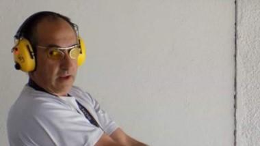 """Alberto Serdá, ganador de la categoría """"A"""", de Arma Larga 22. Ricardo Abad y Mariano Visotto lo escoltaron."""