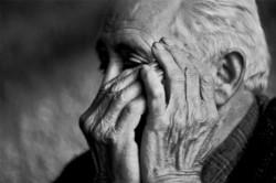 Dos delincuentes entraron a una casa en la ciudad de Bahía Blanca y golpearon a tres ancianos, de 98 años. (Archivo)