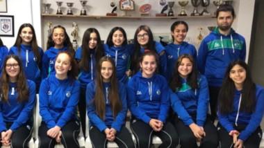 Las chicas de Trelew RC, con sus entrenadores Juan Herrera y Maxi Passarotti, representarán a la provincia.