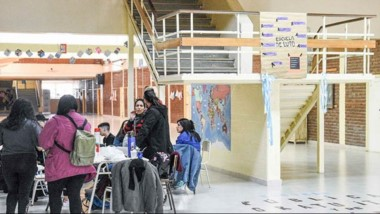 Los alumnos siguen avanzando en la ocupación de edificios escolares ante la falta de respuestas.