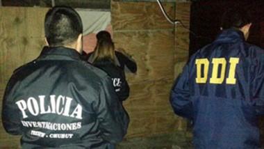 La Carolina. La madrugada que la Policía llegó hasta la villa, encontró la casilla y rescató a las tres menores, que estaban shockeadas y sucias.