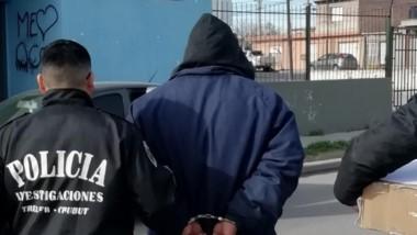 En los procedimientos, el personal policial aprehendió a 2 personas.