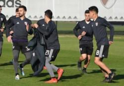 El plantel de Marcelo Gallardo se entrena en el River Camp.