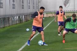 Paulo Díaz en la práctica de fútbol de River.