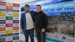 """David Cardenas junto director de la prueba, """"Cachano"""" Barría, hoy en Chubut Deportes."""
