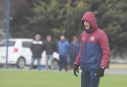 Bajo la lluvia, Lanús goleó 3-0 a Barracas Central en un amistoso por los goles de Di Plácido, Elías Gómez (e/c) y Moreno.