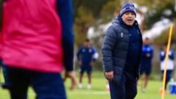 Maradona tuvo su primera práctica completa en Gimnasia.