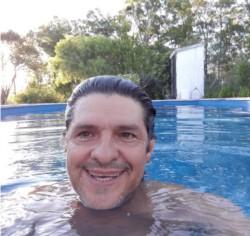 Víctor Gahn, de 55 años, docente del Instituto Superior de Profesores número 4.