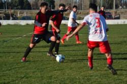 En la última serie disputada por ambos, Gaiman FC eliminó a Huracán en las semifinales del Apertura.