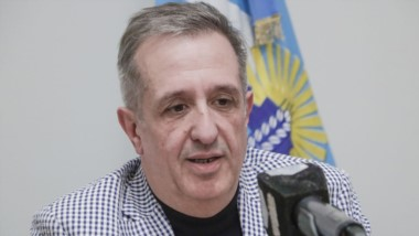 El ministro de Economía explicó a través de un comunicado de prensa el nuevo cronograma de pagos.