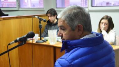 El policía retirado Juan Casimiro Garitano revelando el momento en que halló al imputado Archie Phillips.