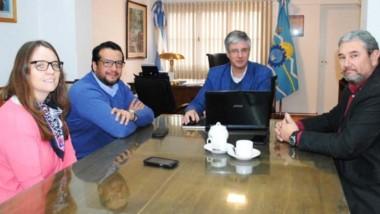 Reunión  donde se trató la provisión de red de gas en Esquel.