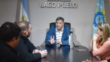 Acercamiento. El intendente Ibarra se reunió con los referentes gremiales para iniciar la negociación.