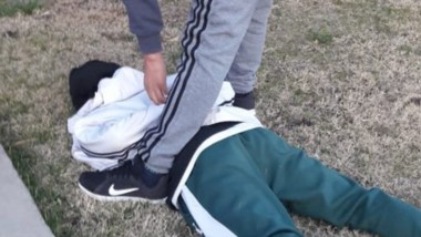 El joven fue atrapado por la Policía a pocos metros del lugar del ilícito.