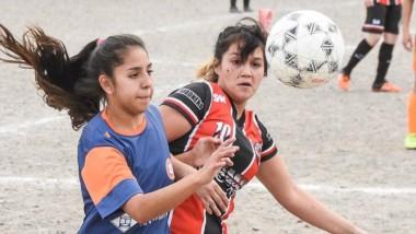 """Las """"Morenitas"""" vencieron por 2-0 a Alumni en condición de visitante."""