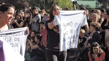 Remera. Una postal de las protestas en la cordillera contra la jueza de Familia Erika Fontela.