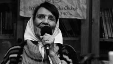 """La presencia de Tay Almeida en Puerto Madryn coincidió con los 43 años de """"La Noche de los Lápices""""."""