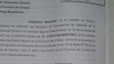 Facsímil de la denuncia presentada ayer por el ministro Massoni.