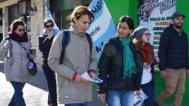 Los docentes se manifestaron en las calles de la localidad de Esquel.