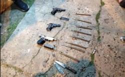 La sangrienta interna en Chacarita: detuvieron a cuatro barras con una metralleta, pistolas y cuchillos.