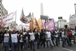 """""""El ajuste de (Mariano) Arcioni-PJ y (Mauricio) Macri-FMI mata. Por Chubut y por todes, no abandonamos las calles"""