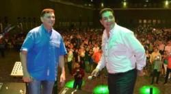 Mauricio Saillén y Pascual Catrambone, en una de las millonarias fiestas que organiza el gremio. (La Voz)