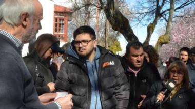 Reclamos. Jorge Junyent, presidente del HCD cordillerano, recibió a los vecinos y a la prensa para explicar los próximos movimientos.